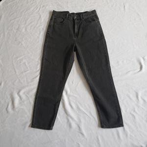 AE mom jeans NWT black size 6 short high rise
